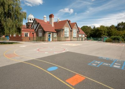 primary-school-playground-and-building-21040594 (1)